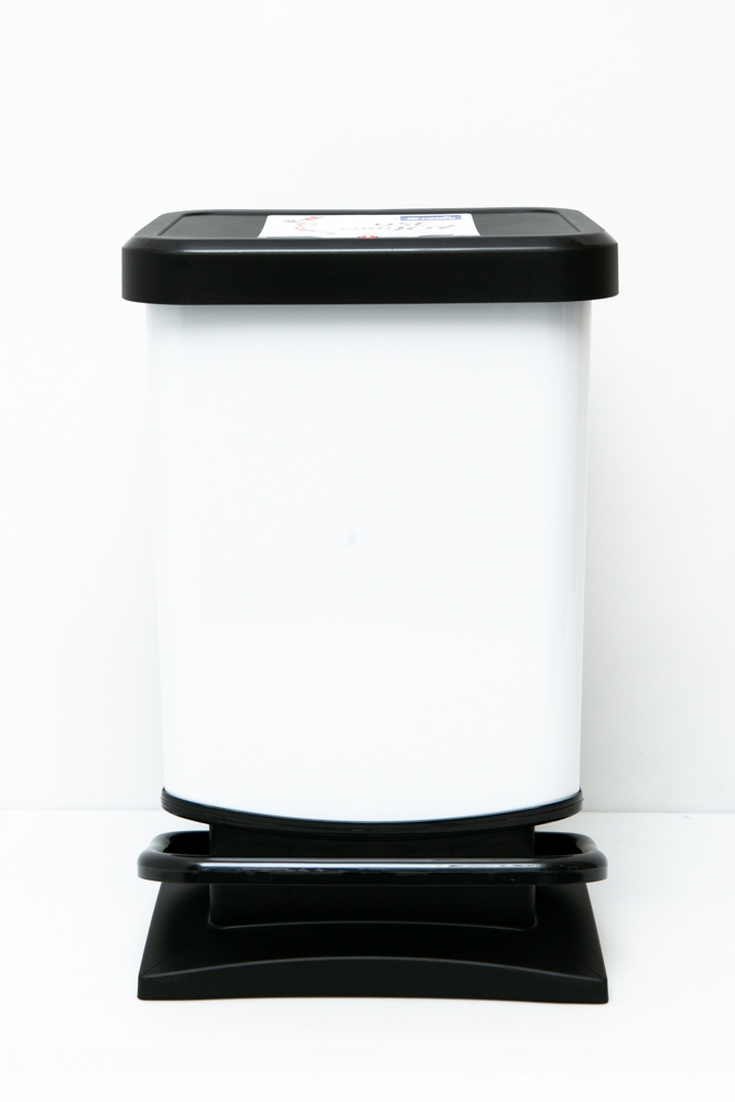 ROTHO PASO BIELY 20l Odpadkový kôš s pedálom