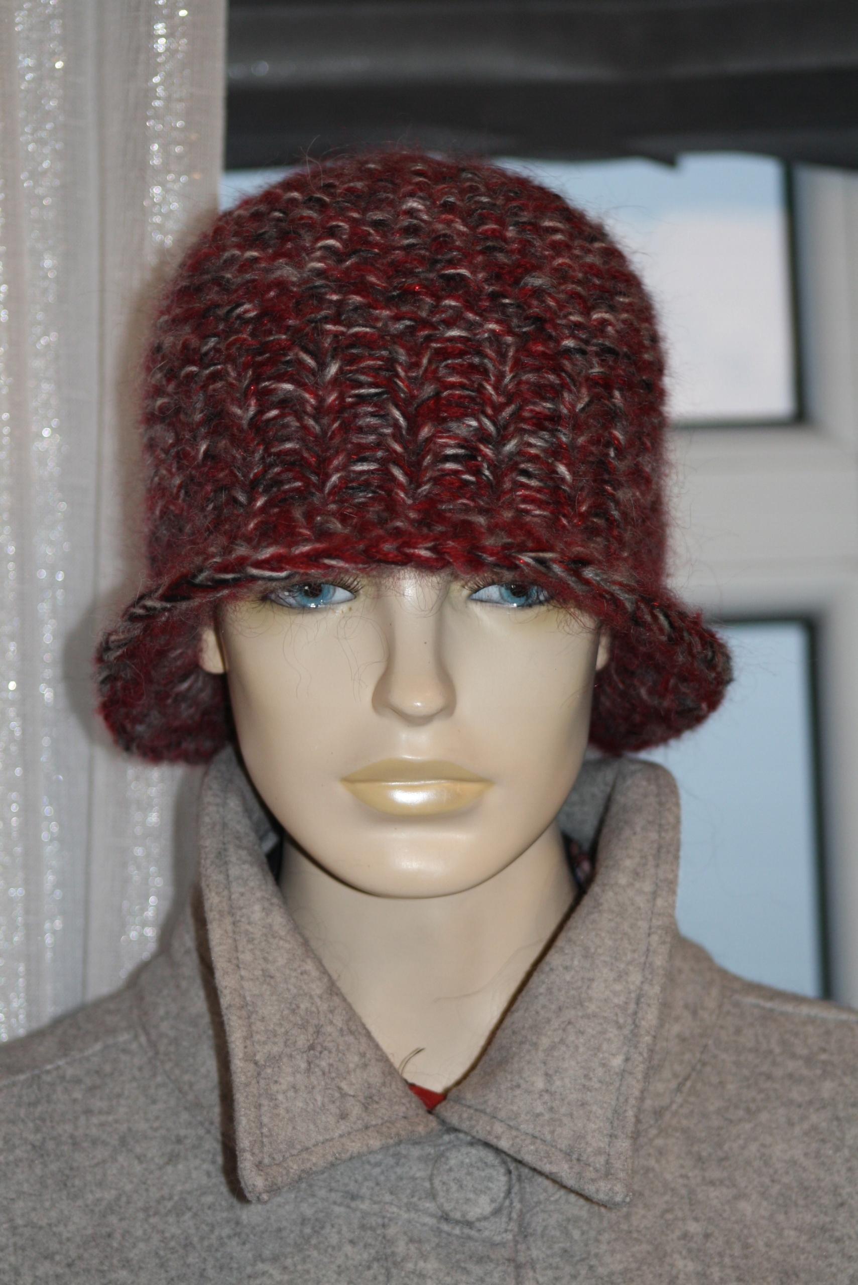 čiapka retro čiapka ručne vyrábaná mohér čerešňa
