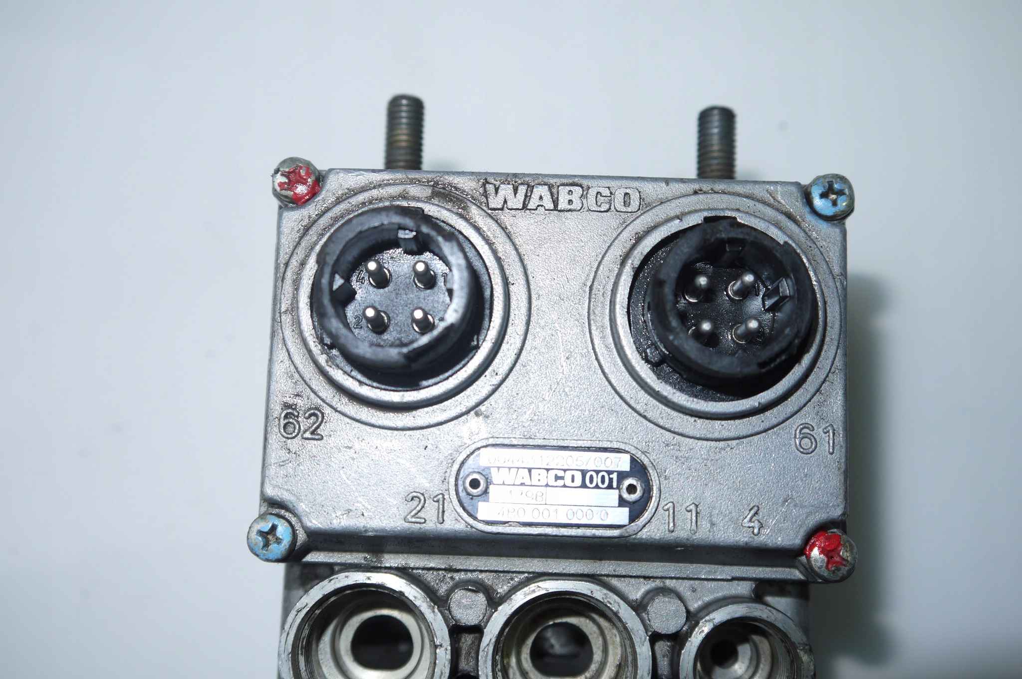 Клапан главный тормозной WABACO Actros 480001000C Merc изображение 5