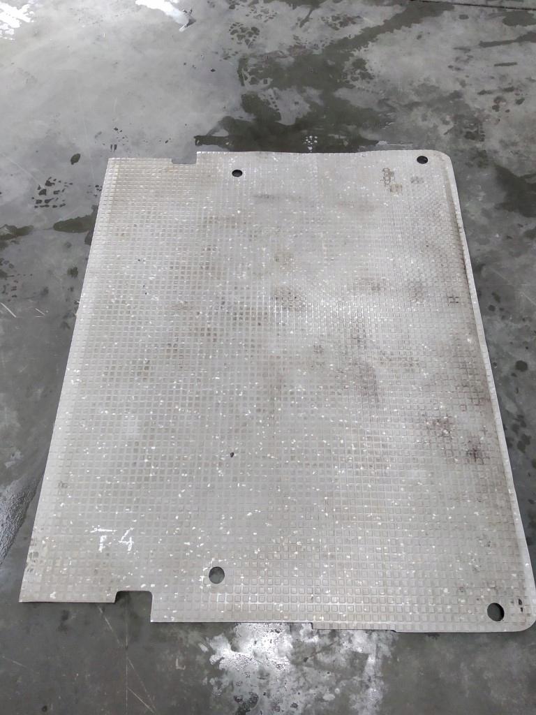 пол ковровое сзади vw t4 multivan
