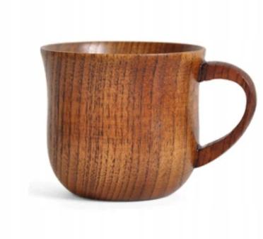 Kubek z drewna. Naturalny vintage drewniany
