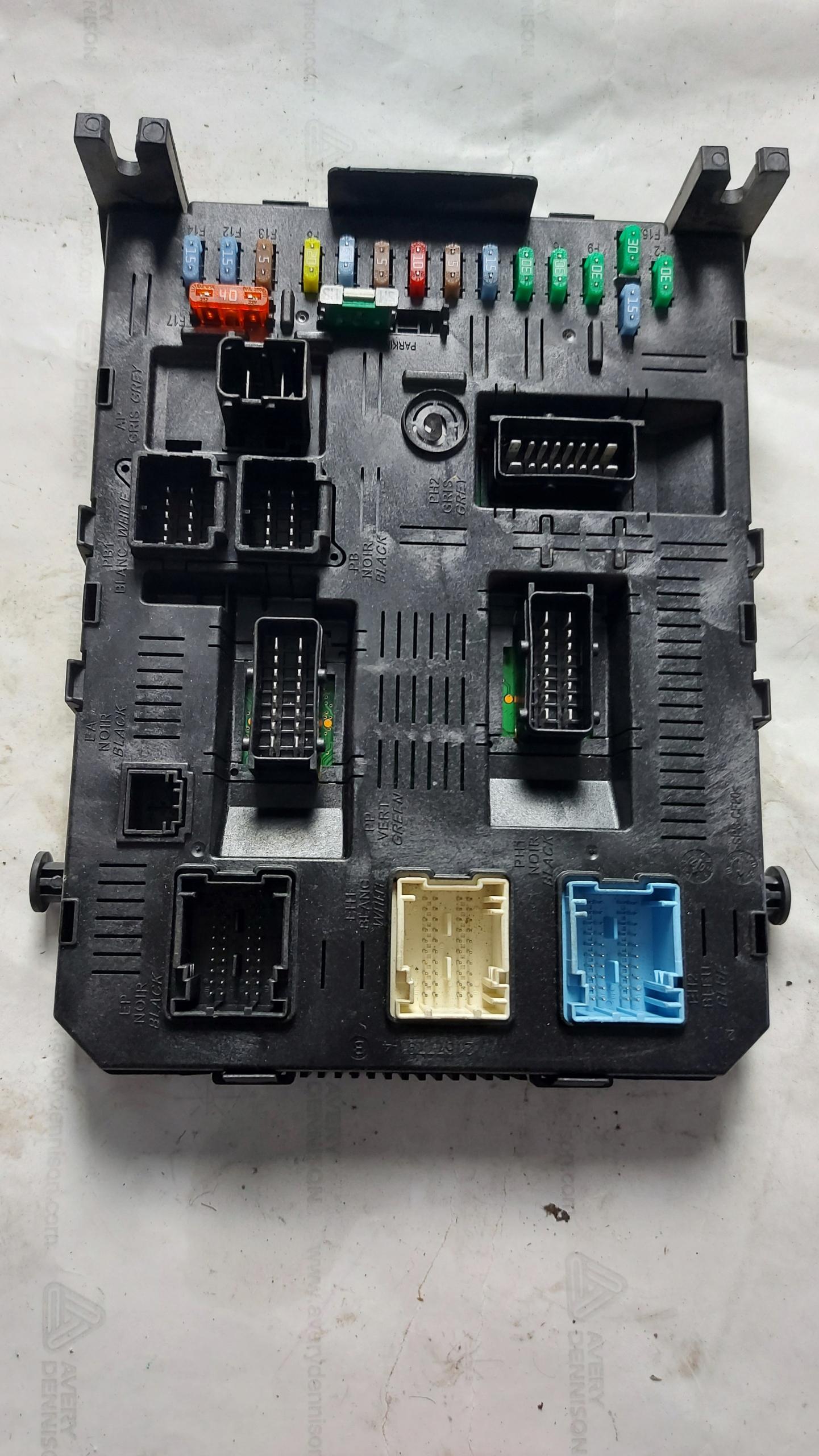 почтовый предохранителей модуль bsi peugeot 307 hdi