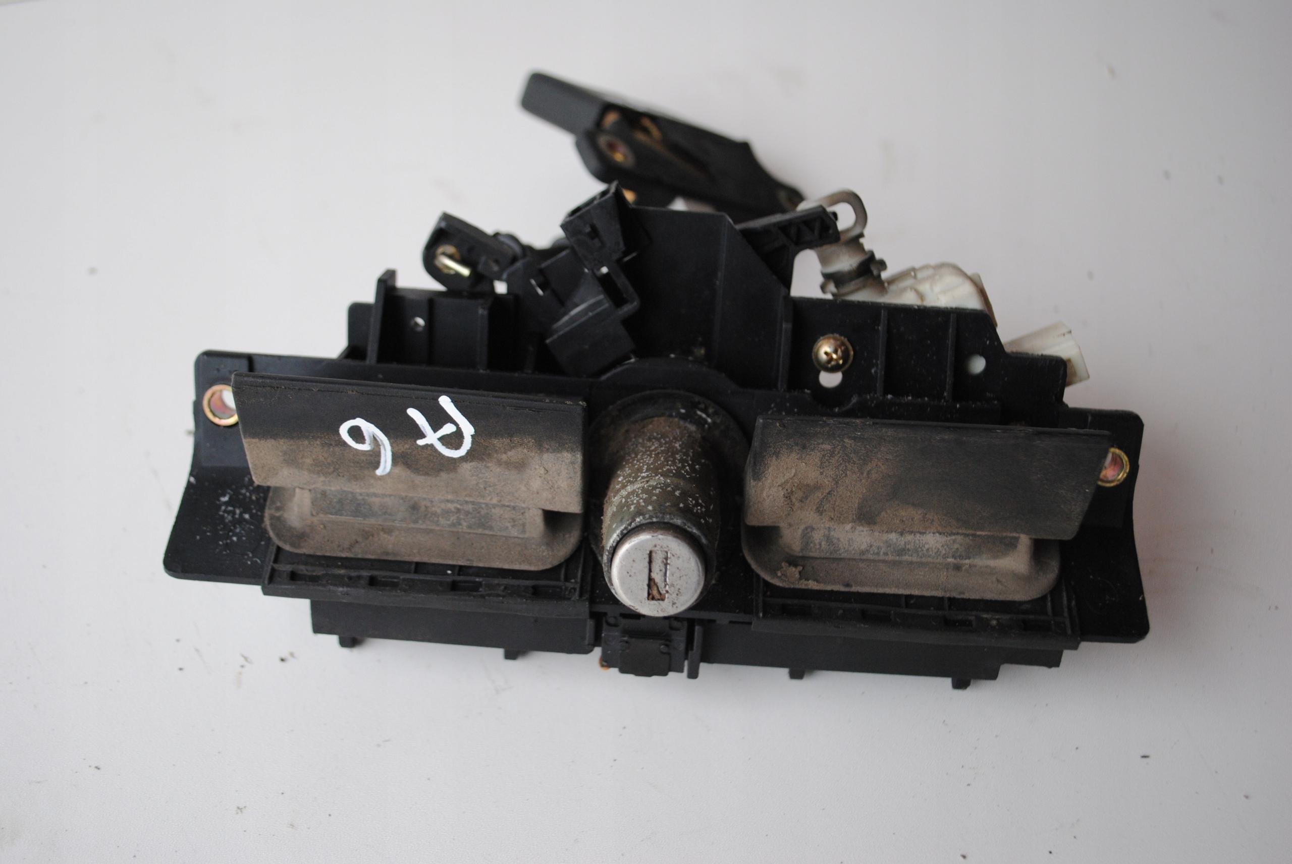 Picture of HANDLE BOOT (BONNET) TRUNK AUDI A6 C5 2.4 V6