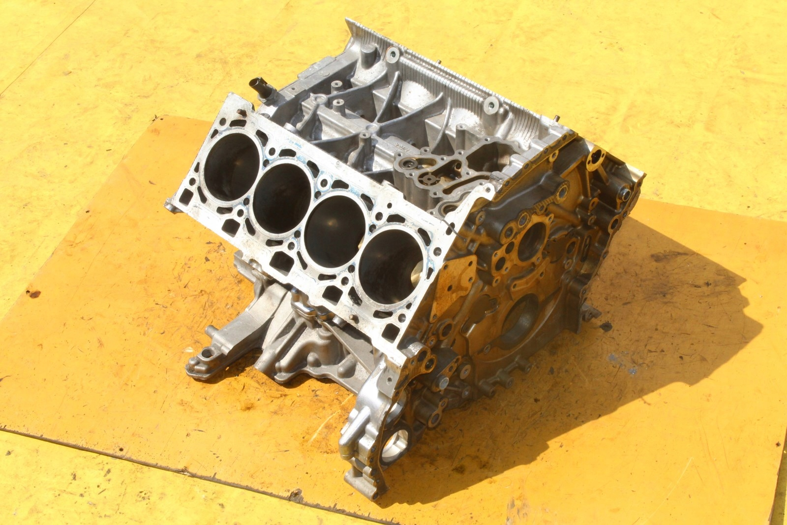 блок двигателя на столик a8 d3 42 v8 bvj