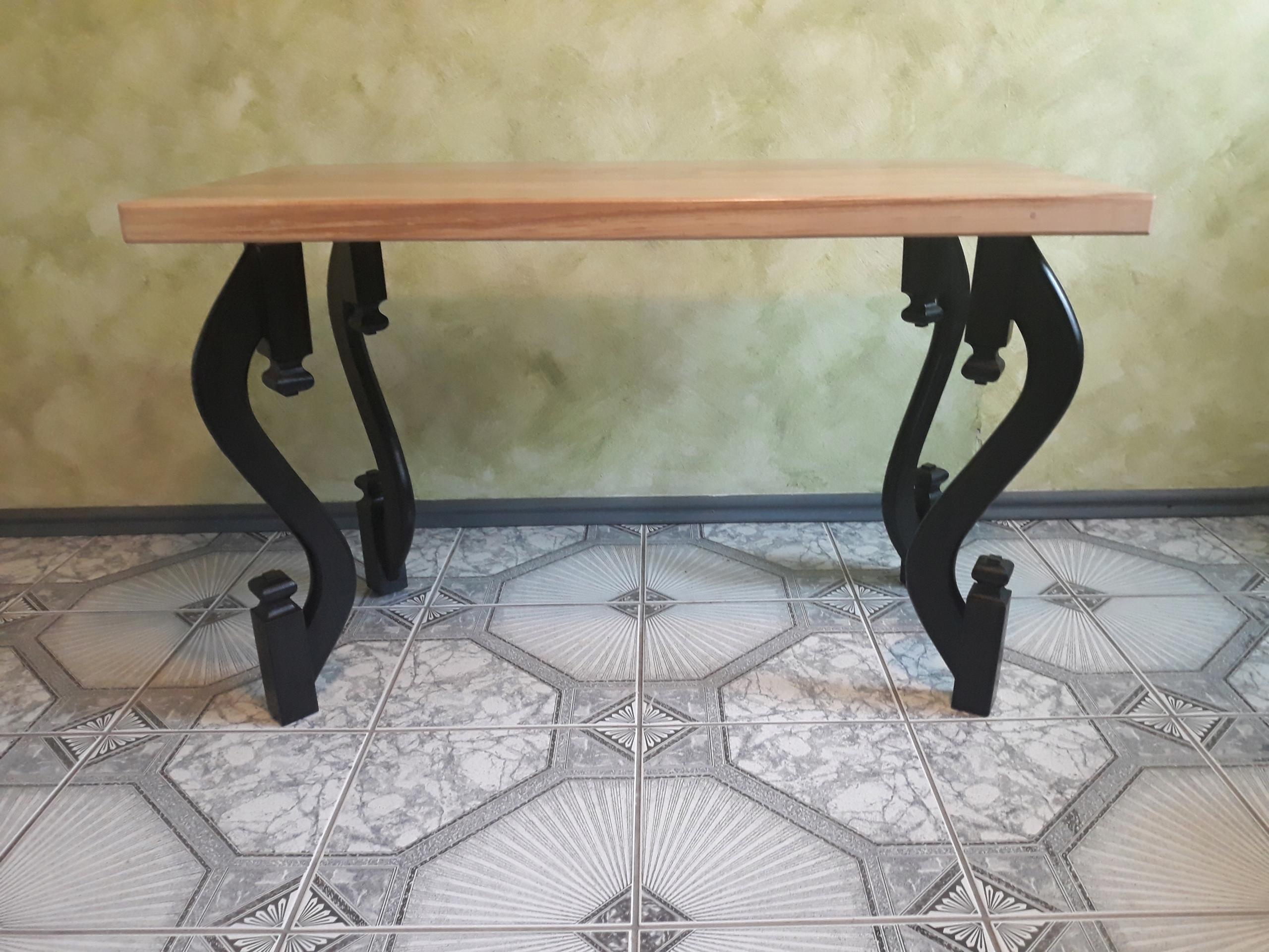 retro vintage drevený konferenčný stolík