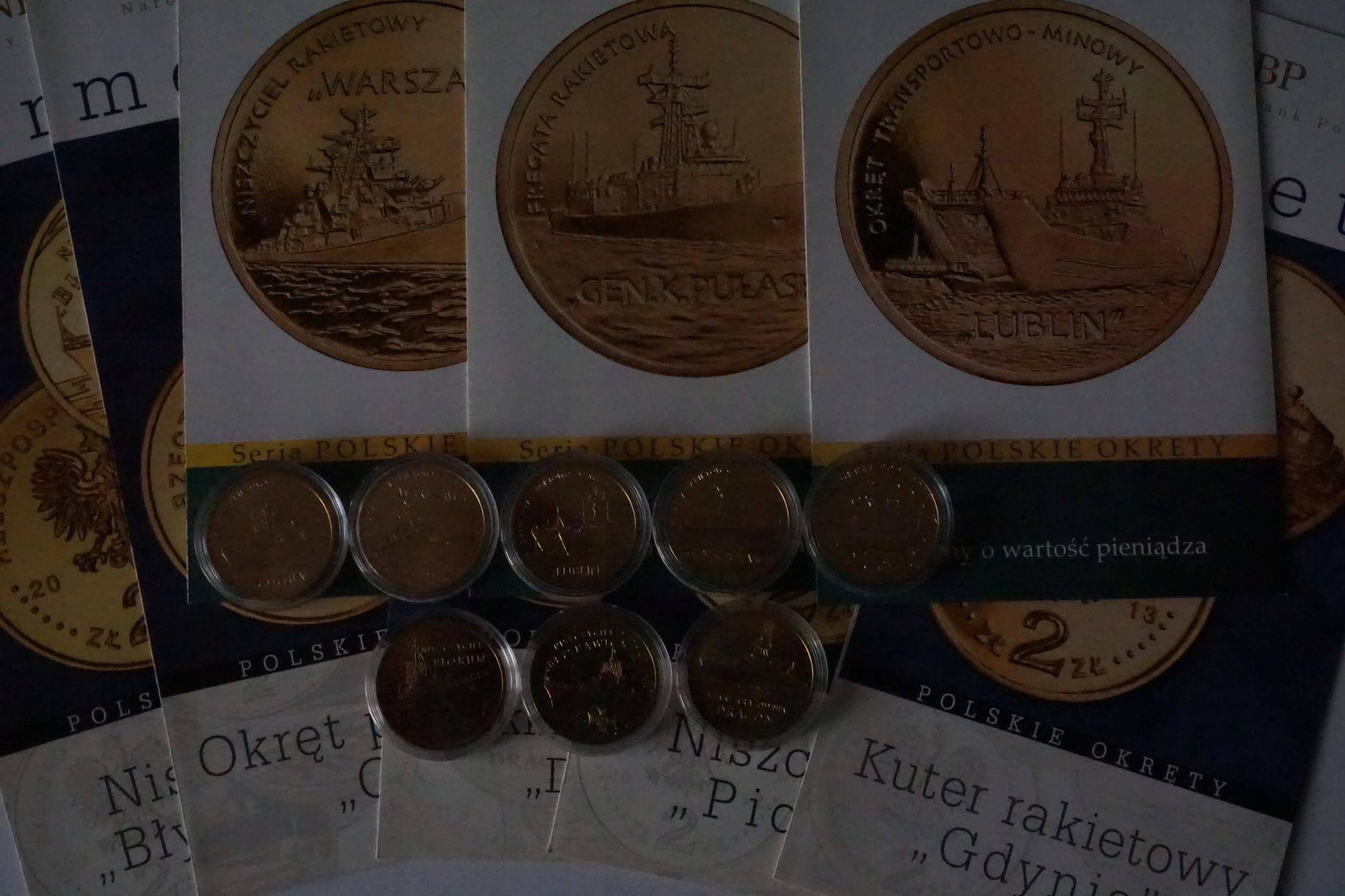 8 monet 2 zł Polskie Okręty kapsle ,foldery gratis