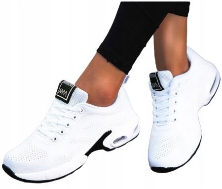 Светлые женские спортивные кроссовки для тренажерных залов