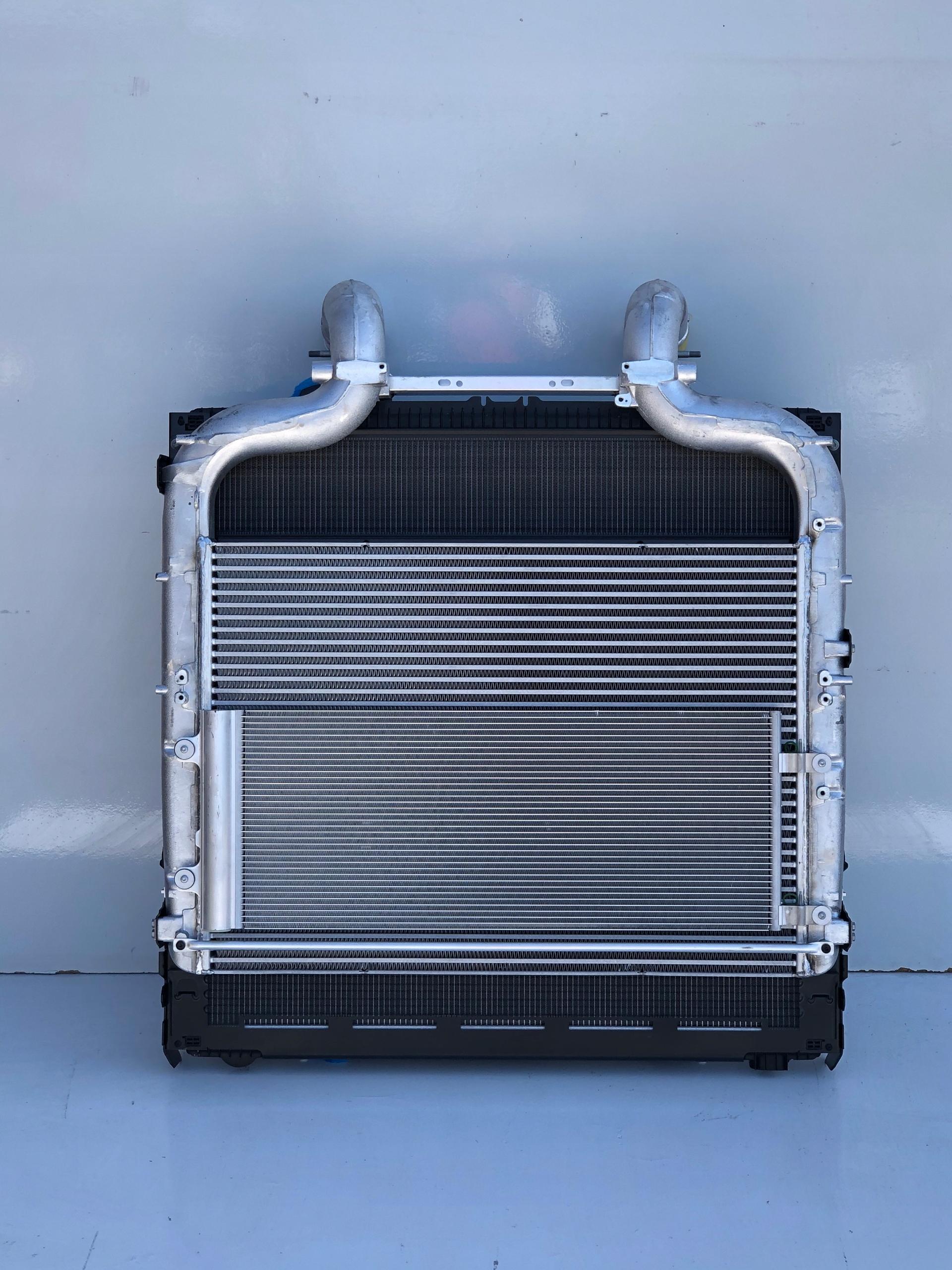 радиатор воды промежуточное daf xf 106 euro6 lift