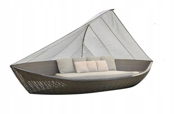 Садовый диван из ротанга с балдахином