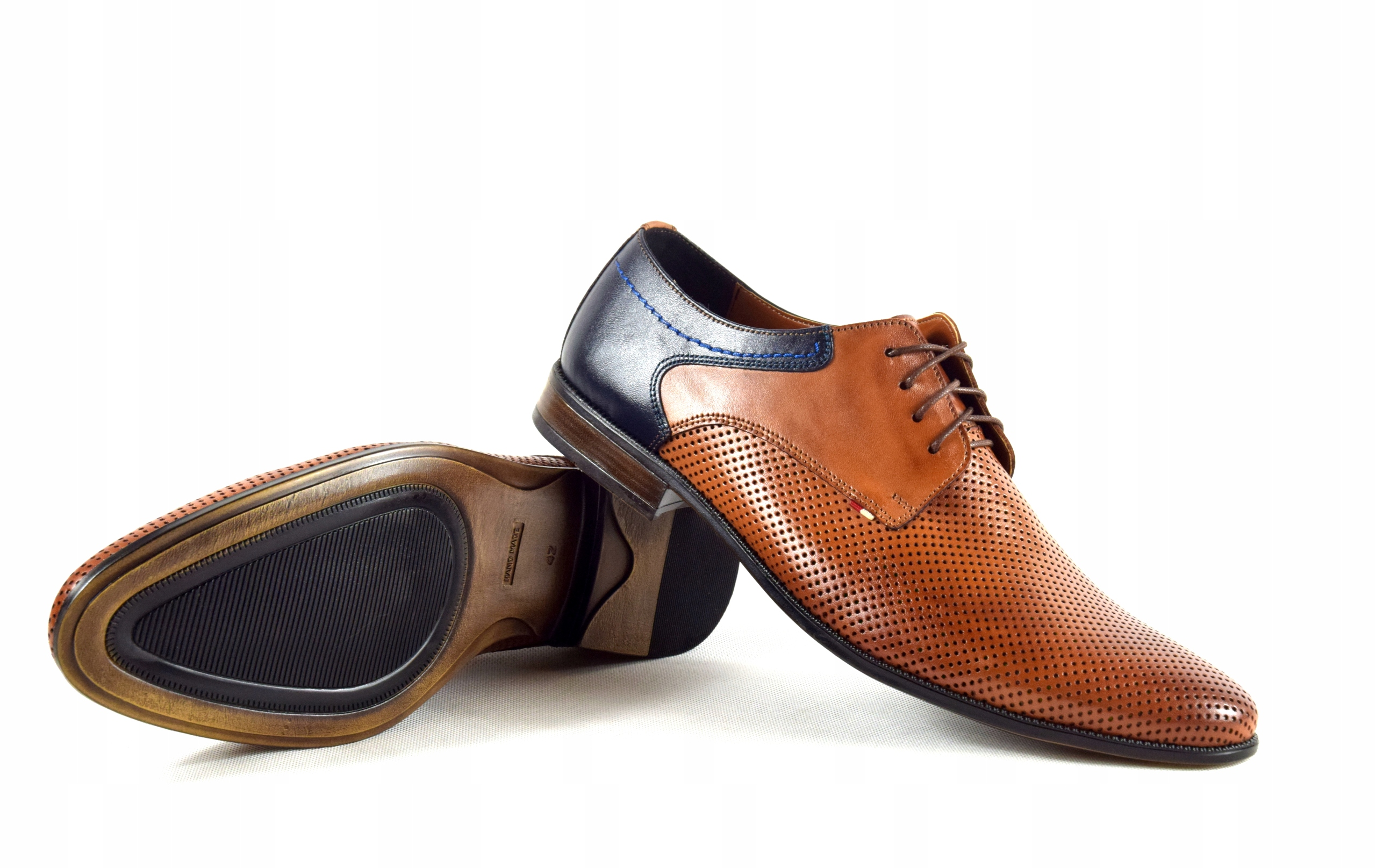 Buty męskie wizytowe skórzane brązowe obuwie 322 Oryginalne opakowanie producenta pudełko