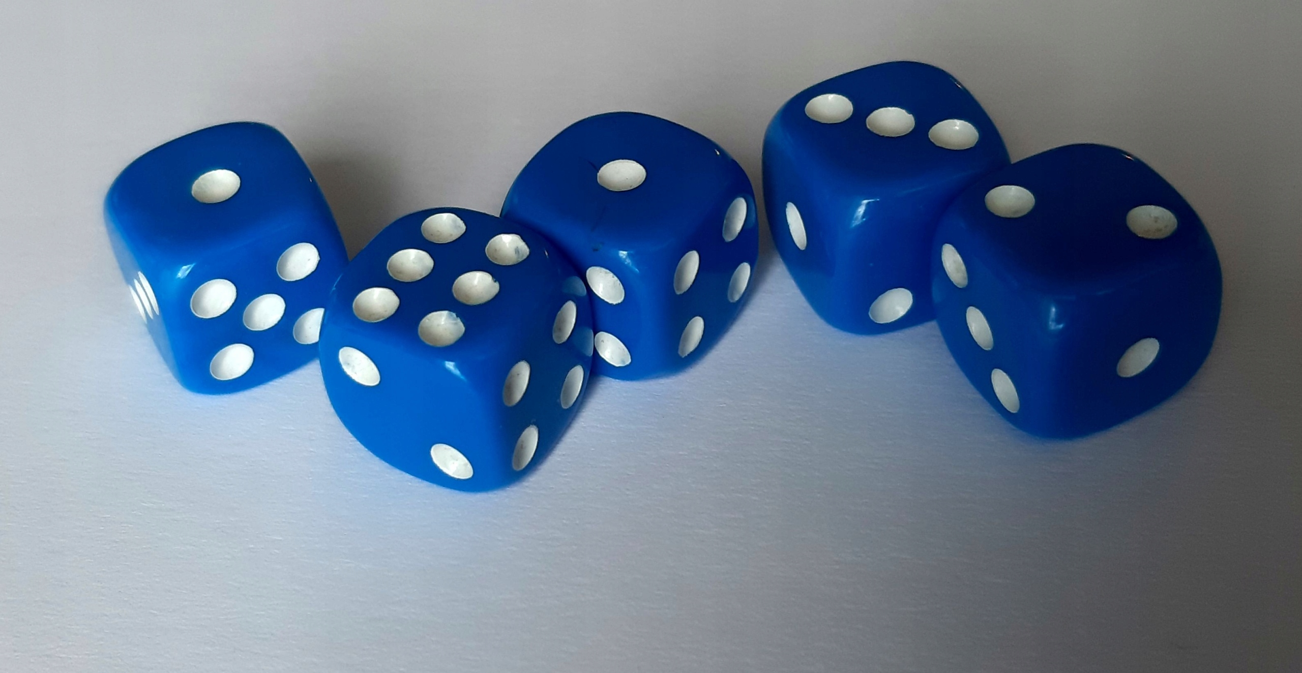 Kocka, kosť, matná K6, modrá, 5 kusov