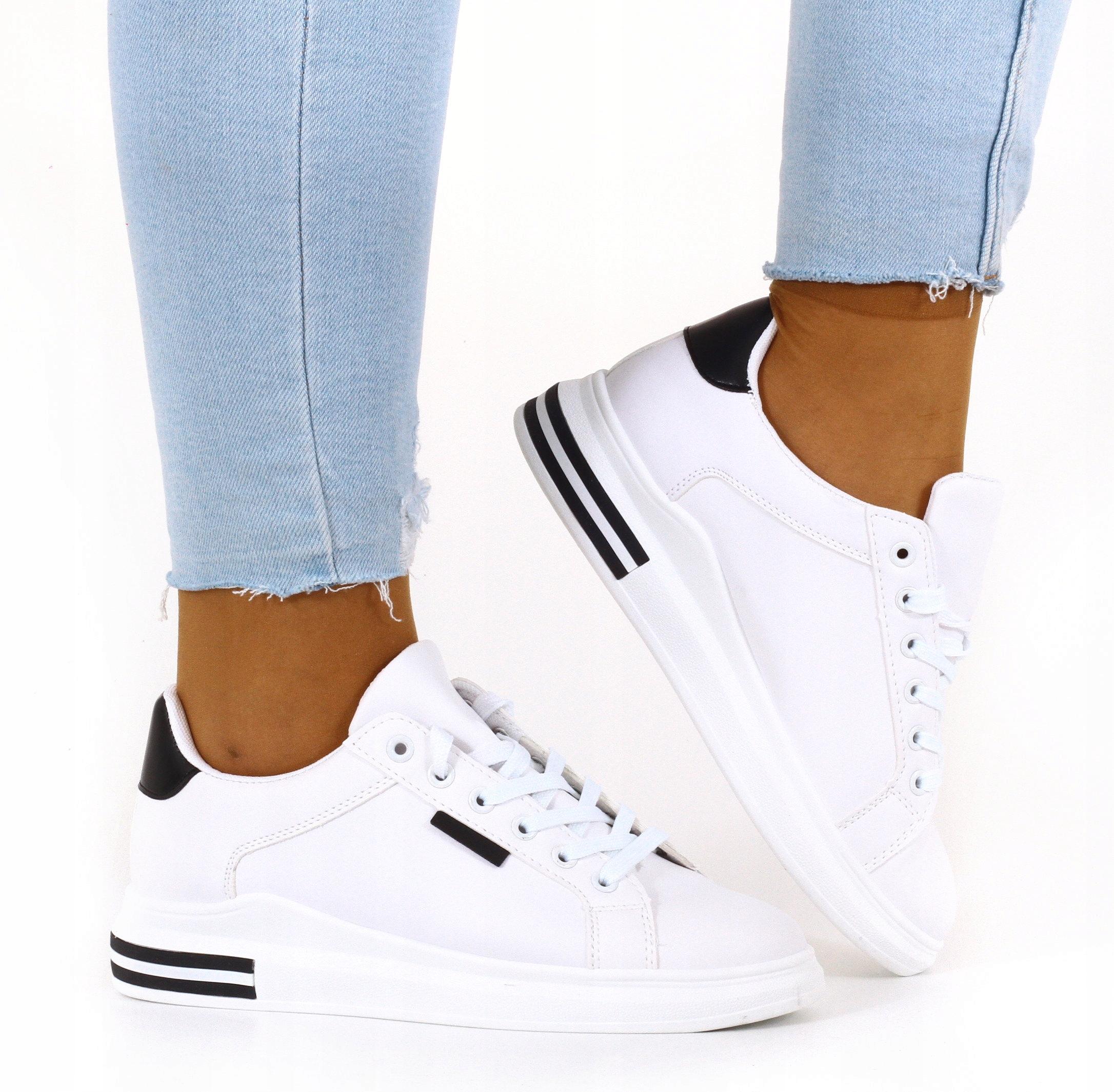 Обучение женской спортивной обуви кроссовки белый