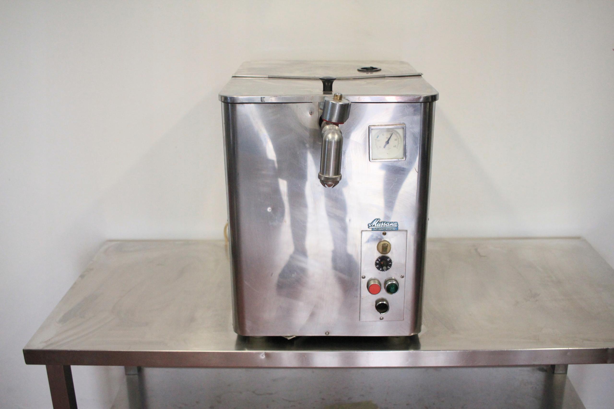 Automat do bitej śmietany Mussana