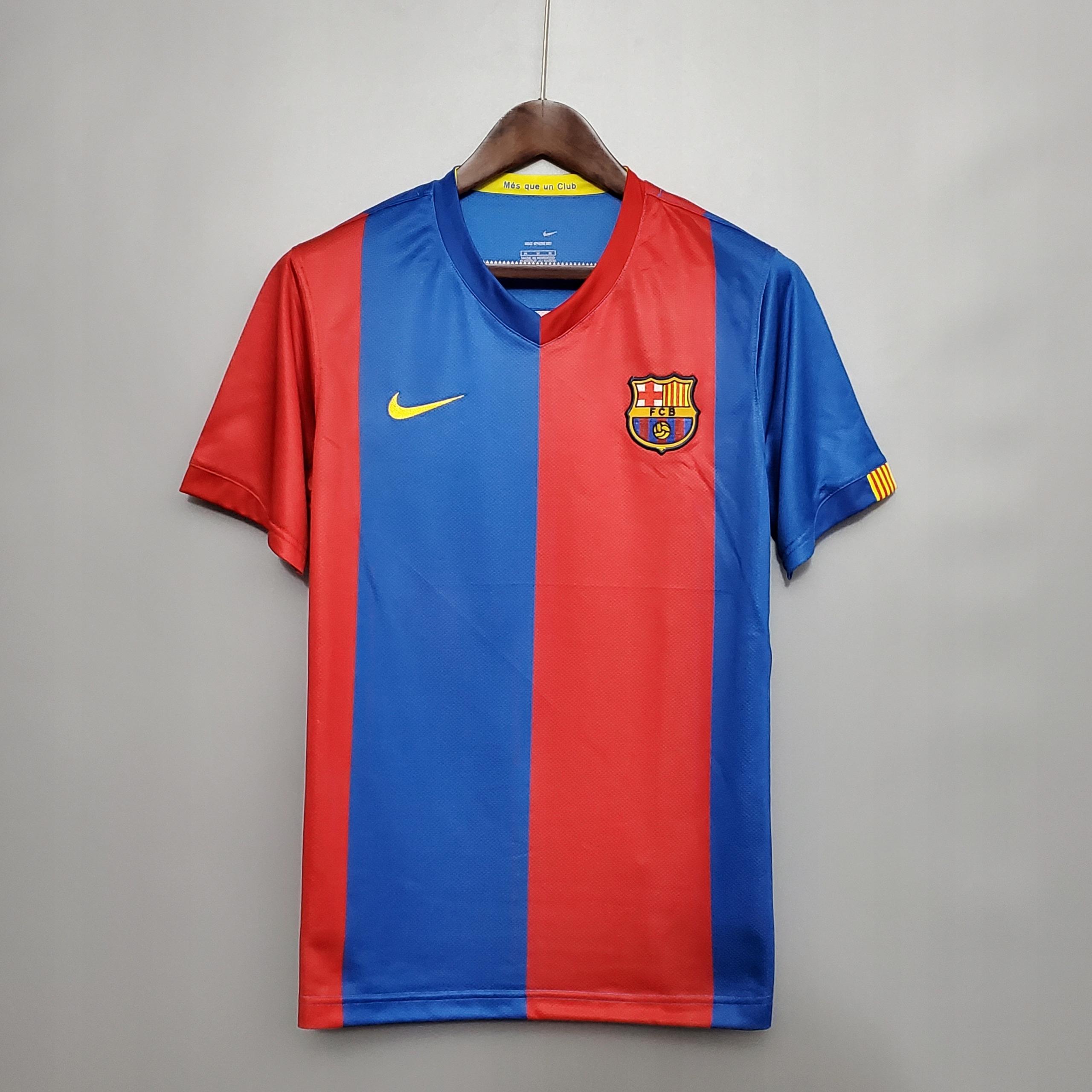 2006 - 2007 retro futbalový dres v Barcelone