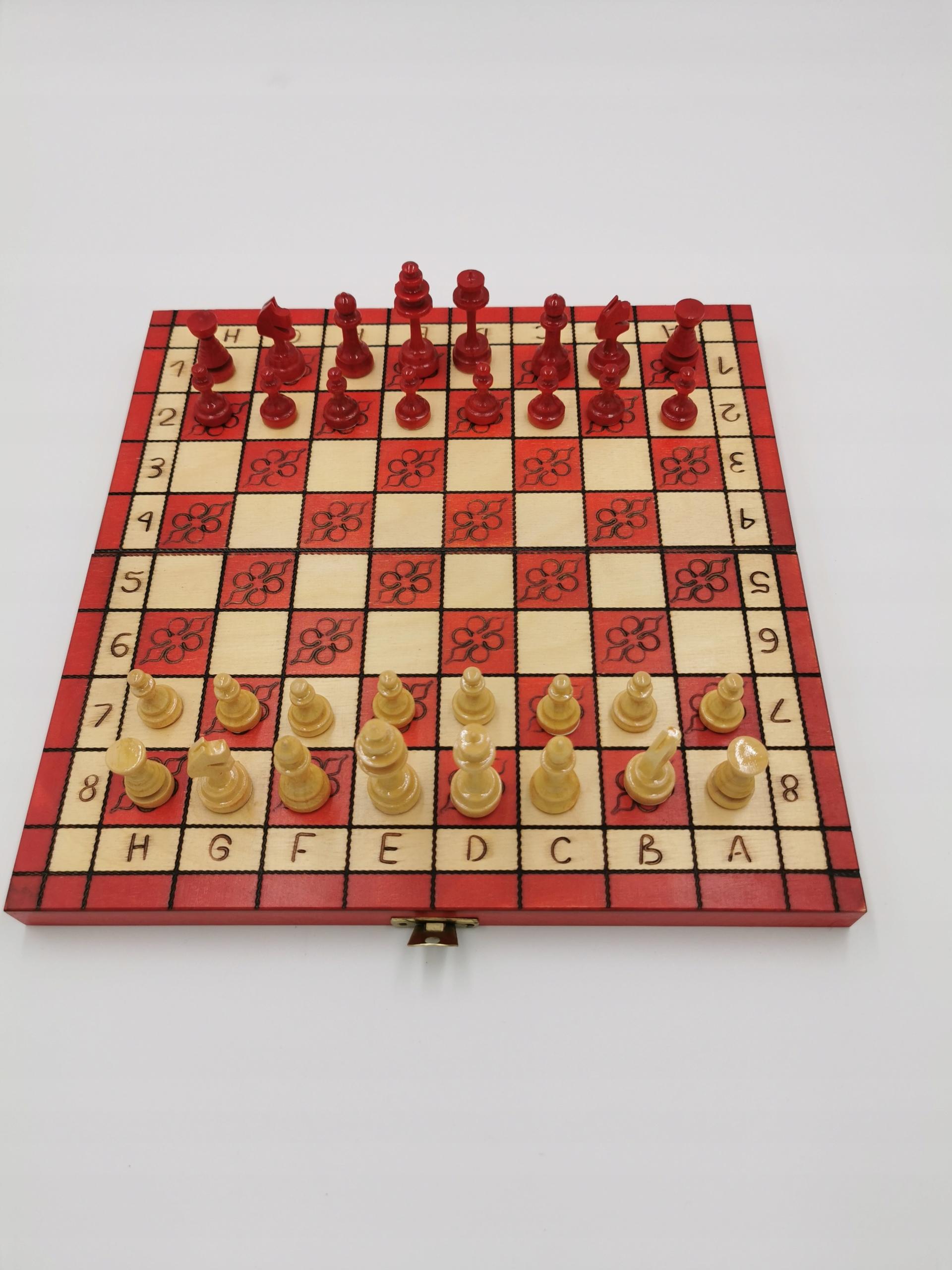 Tradycyjne szachy drewniane 29 cm czerwone