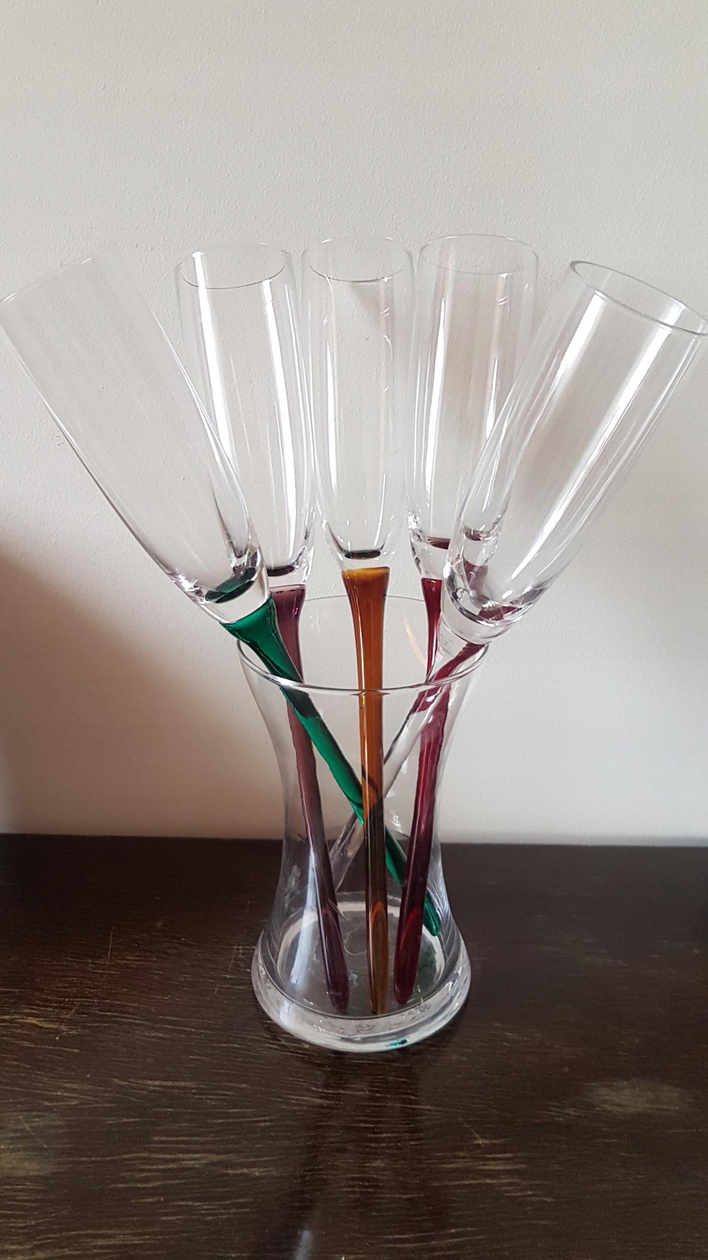 5 бокалов для шампанского + стеклянная ваза