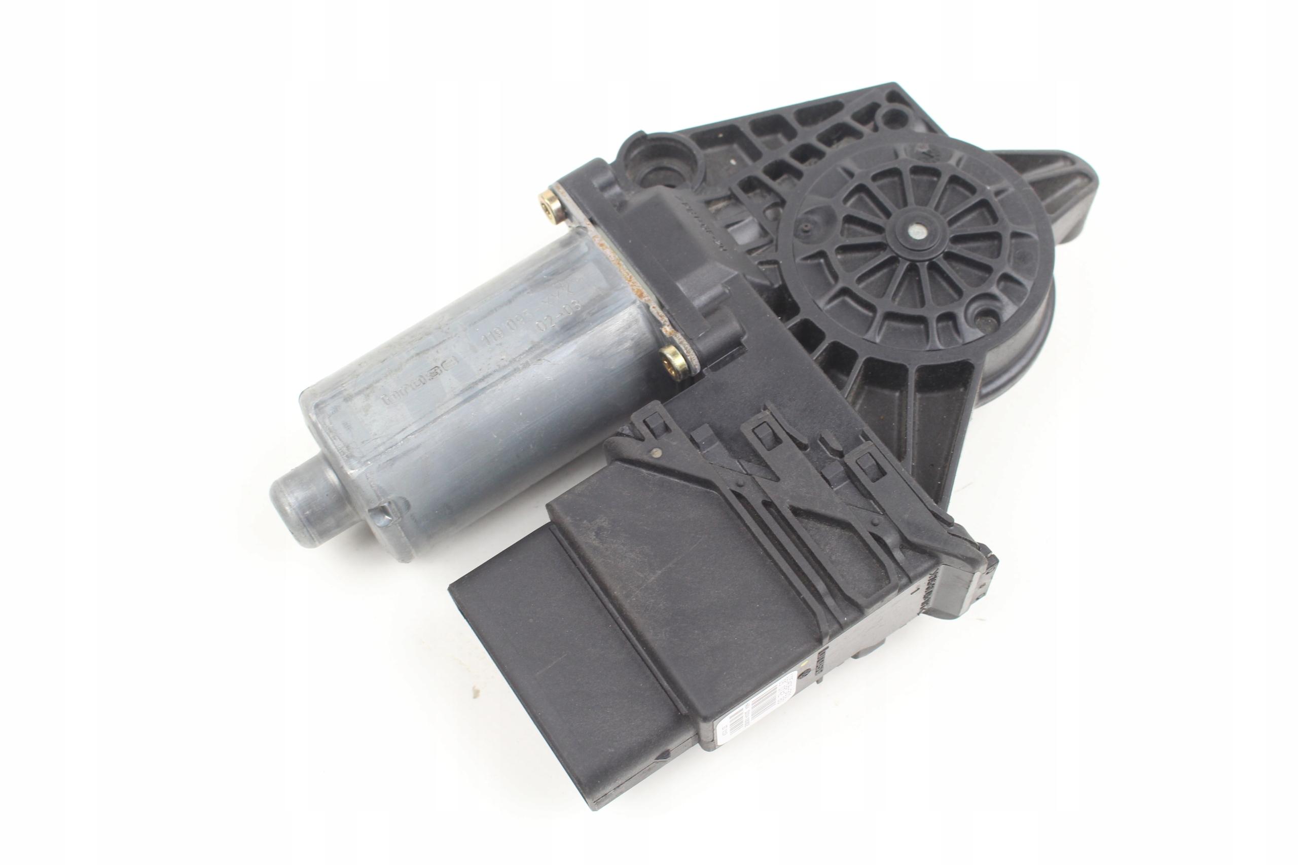 двигатель стекла левый сзади passat b5 105406-301 97-