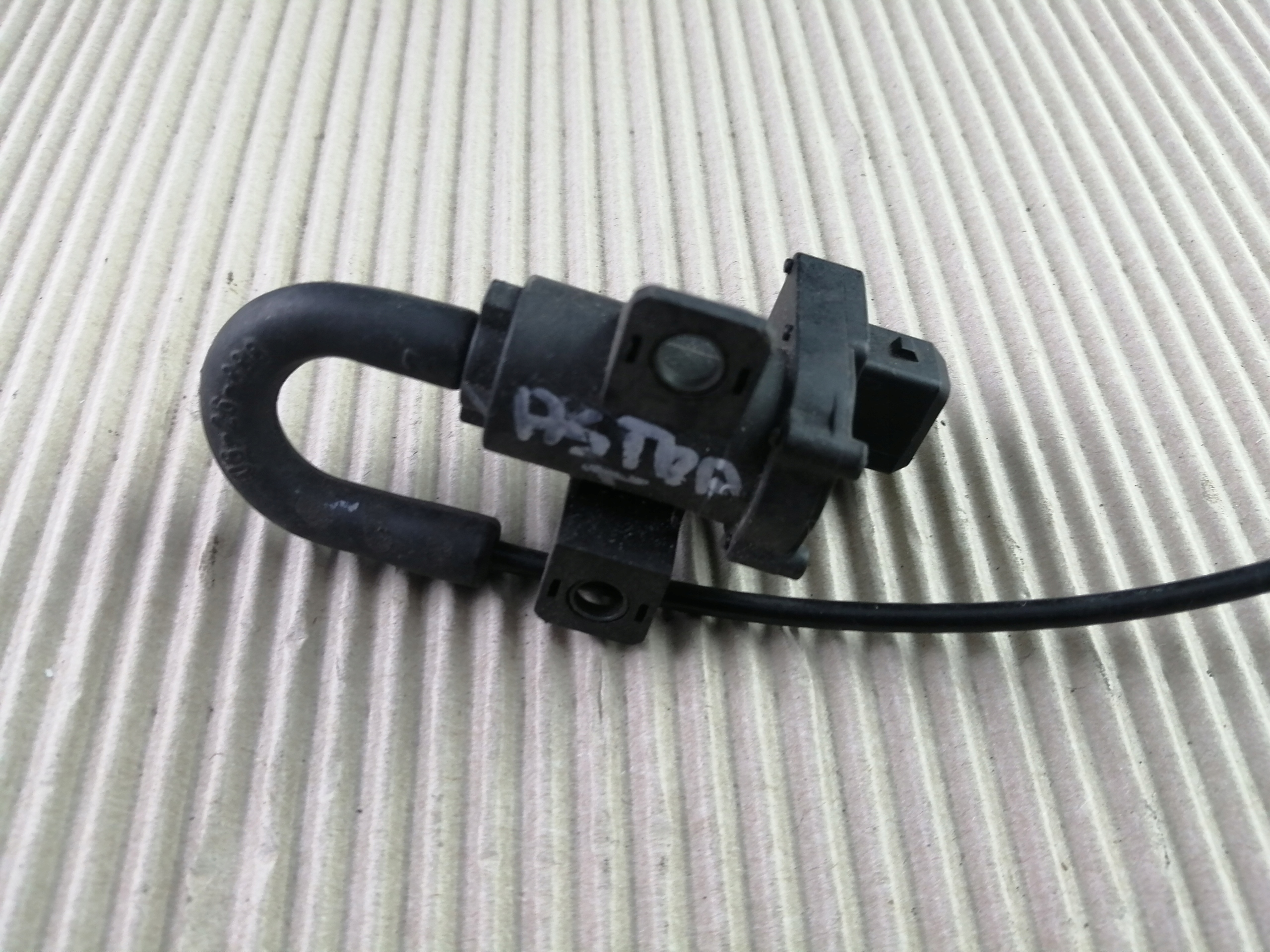 клапан вакуума opel vectra b 95- 01r 90466214
