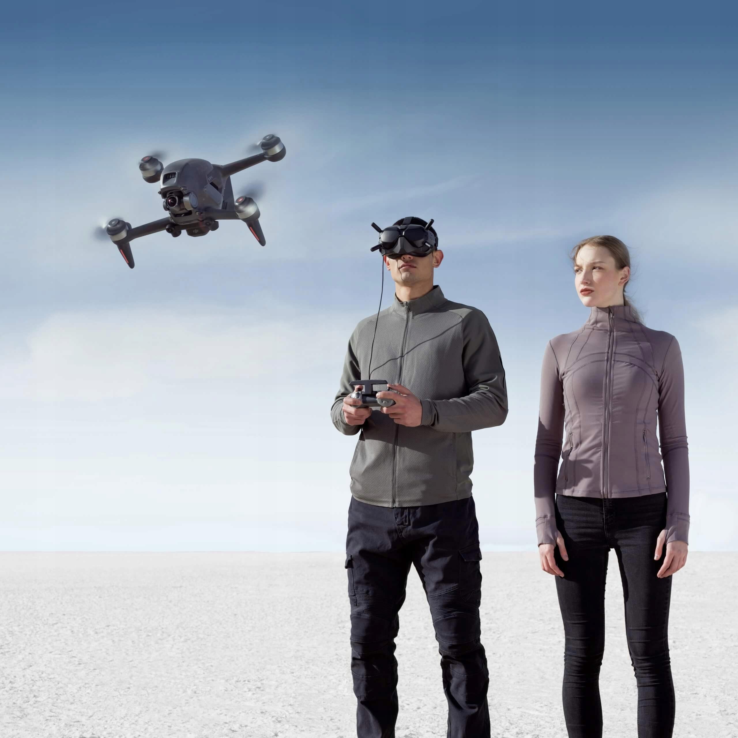 Dron DJI FPV + Fly More Kit (Combo) 3 Baterie Hub Liczba śmigieł 4