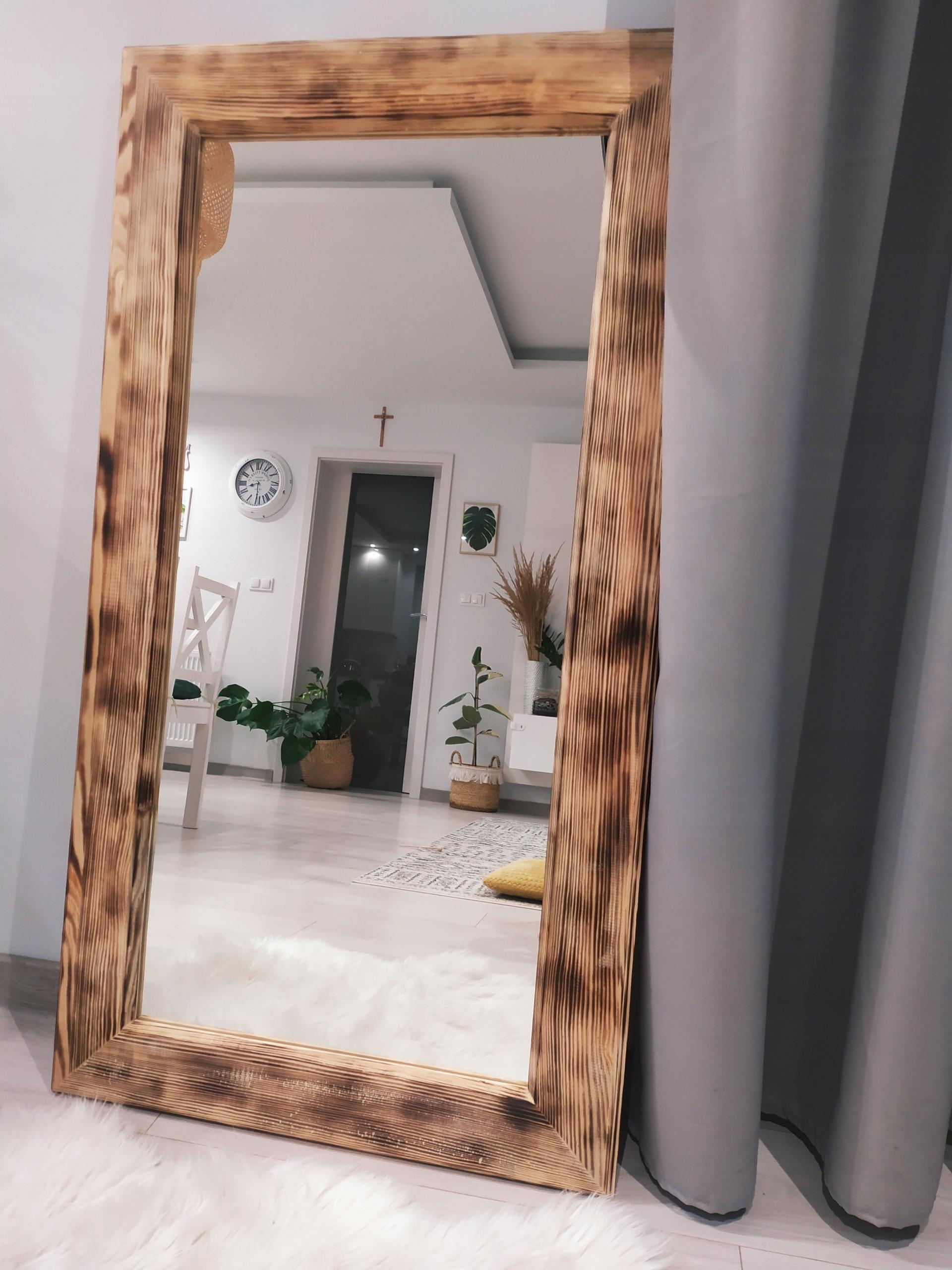 Veľké zrkadlo v hrubom drevenom retro ráme 65x120