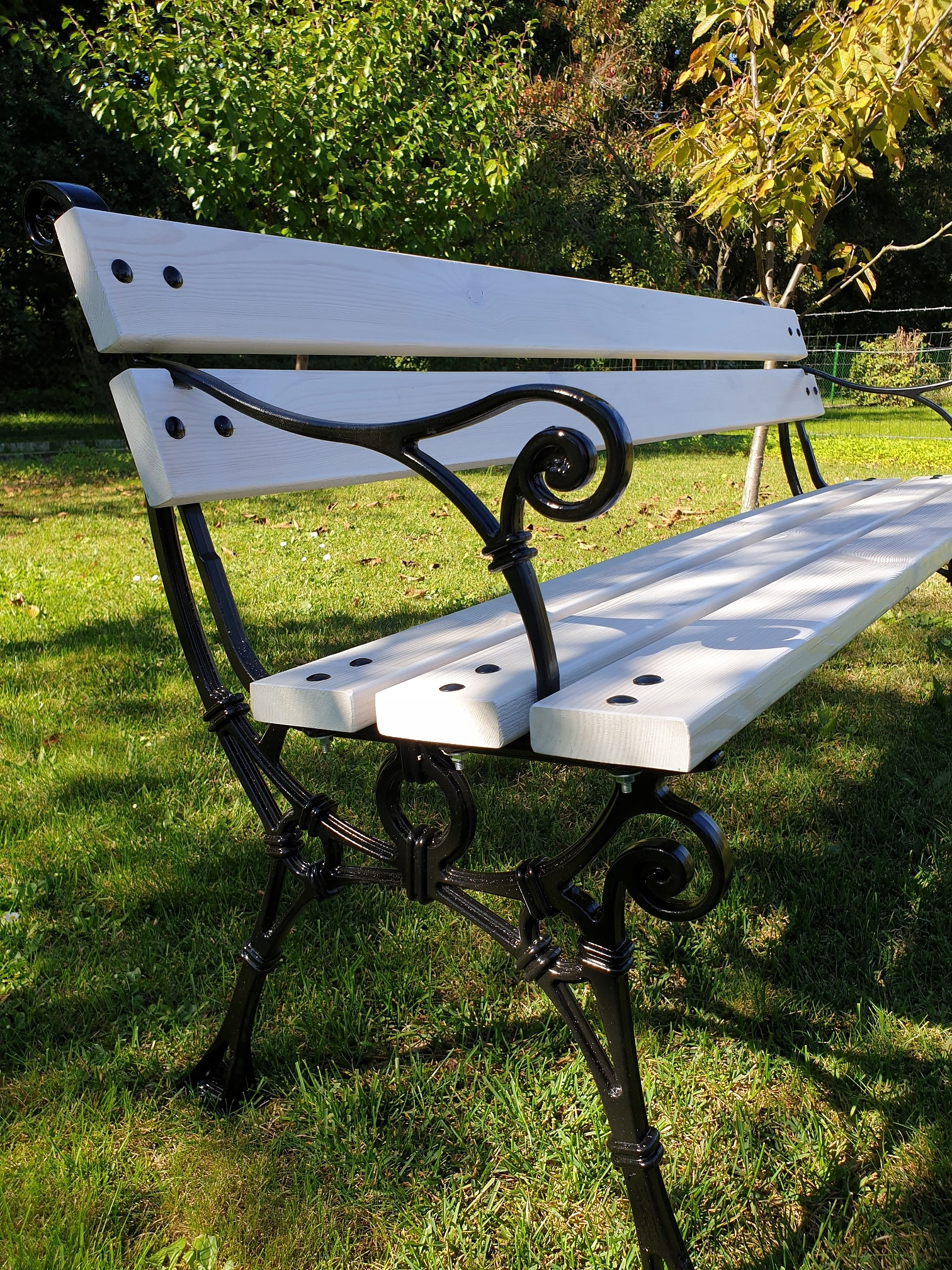 Záhrada, park a terasa retro hliníková lavica Line 150