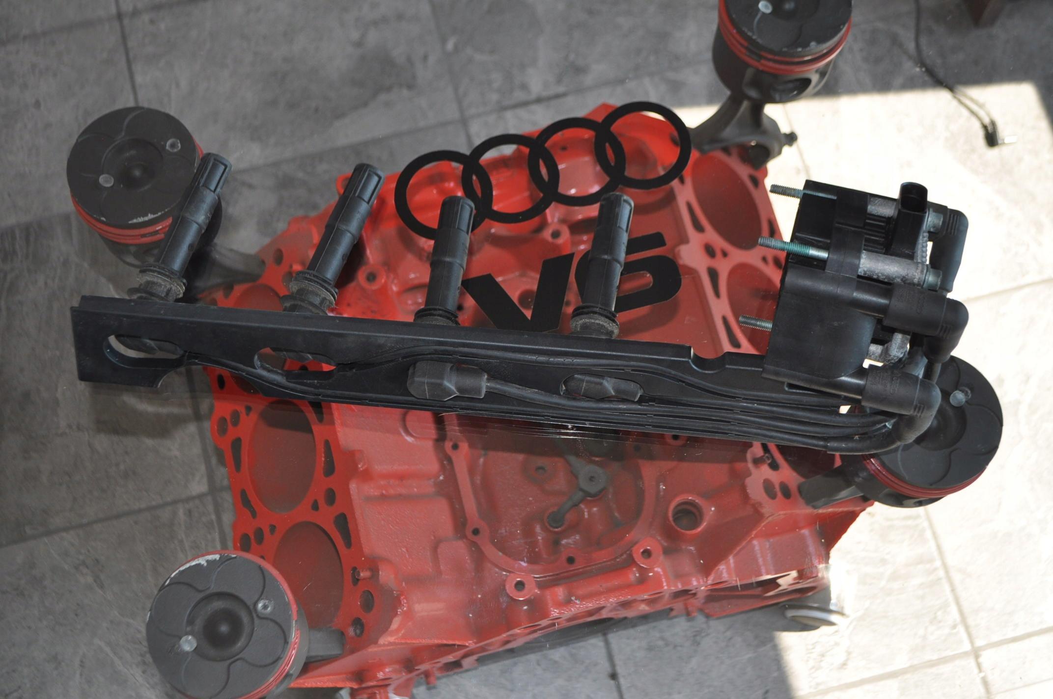 Изображение КАТУШКА ЗАЖИГАНИЯ AUDI VW SEAT SKODA 032905106B