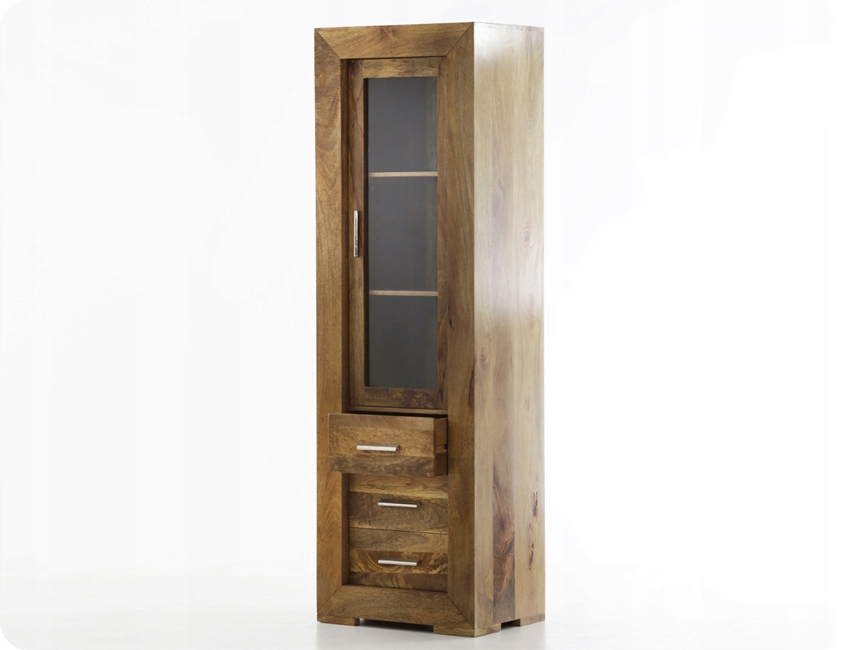 Шкаф в колониальном стиле с ящиками