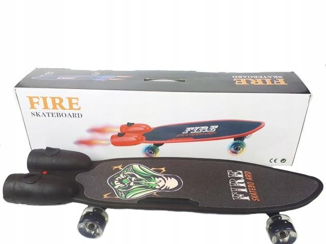 Skateboard Oheň so svetlom a dymu, čierna