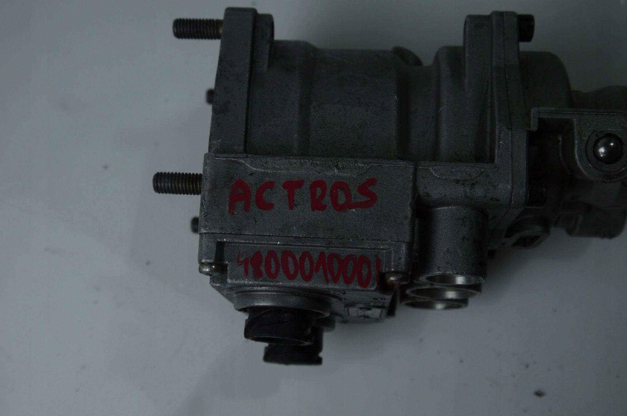 Клапан главный тормозной WABACO Actros 480001000C Merc изображение 6