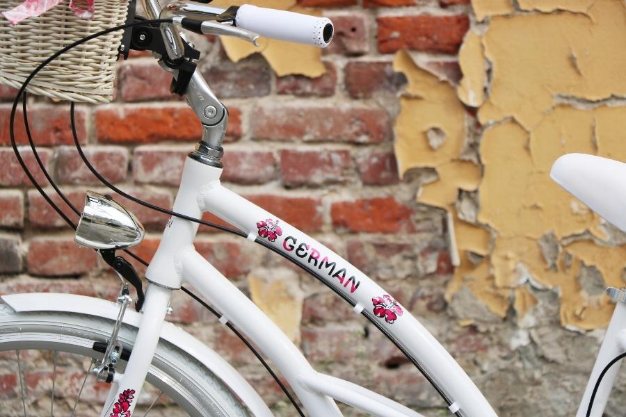 krásny dámsky plážový krížnik 28 city G bike veľkosť 18 palca