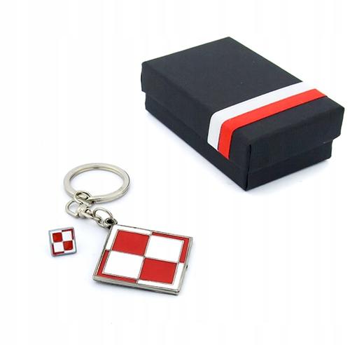 Item A set of key chain and wpinka chess Board box Poland