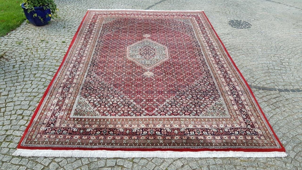 INDO BIDJAR SHINY PERSIAN CARPET RAGED FABRIC 255 / 380CM