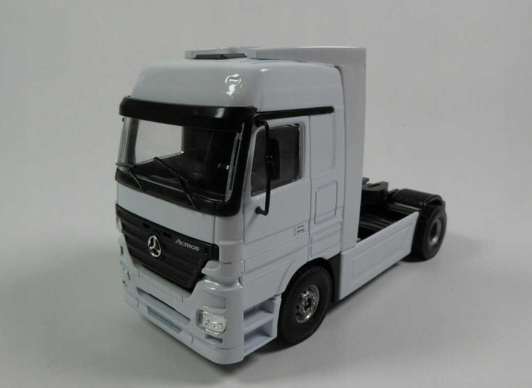 Грузовик Mercedes Benz Actros 1:50 Joal