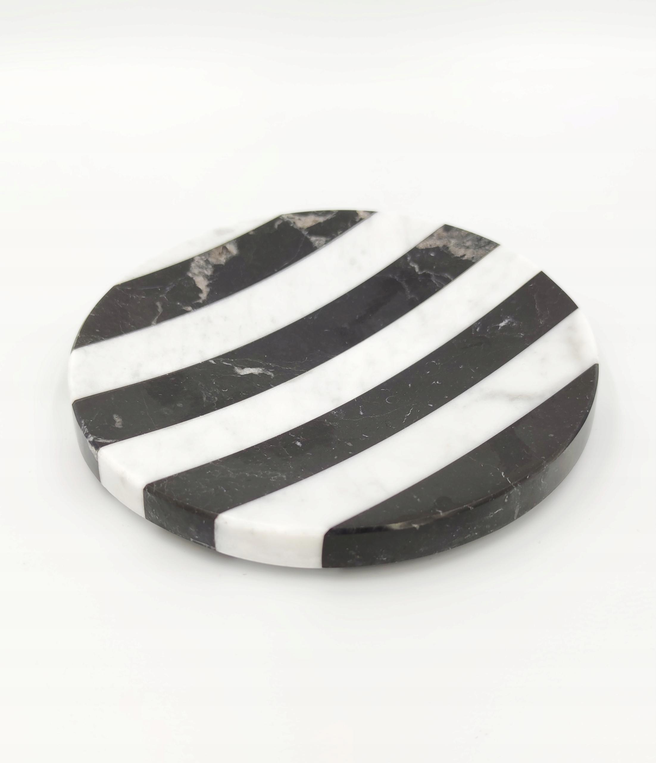 Miska na mydlo z čierneho a bieleho mramoru