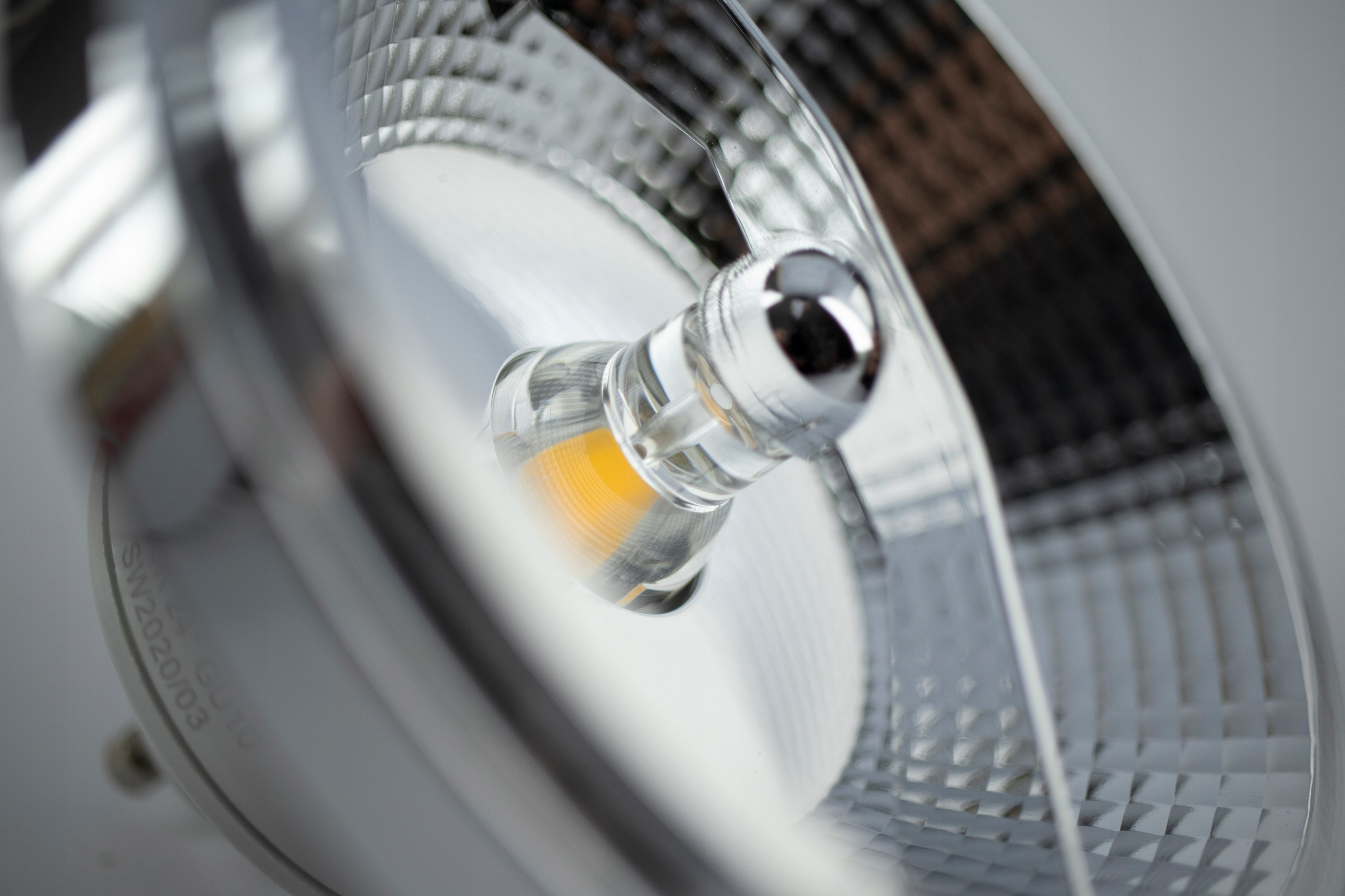 ŻARÓWKA LED AR111 12W GU10 1080lm B. CIEPŁA Rodzaj LED