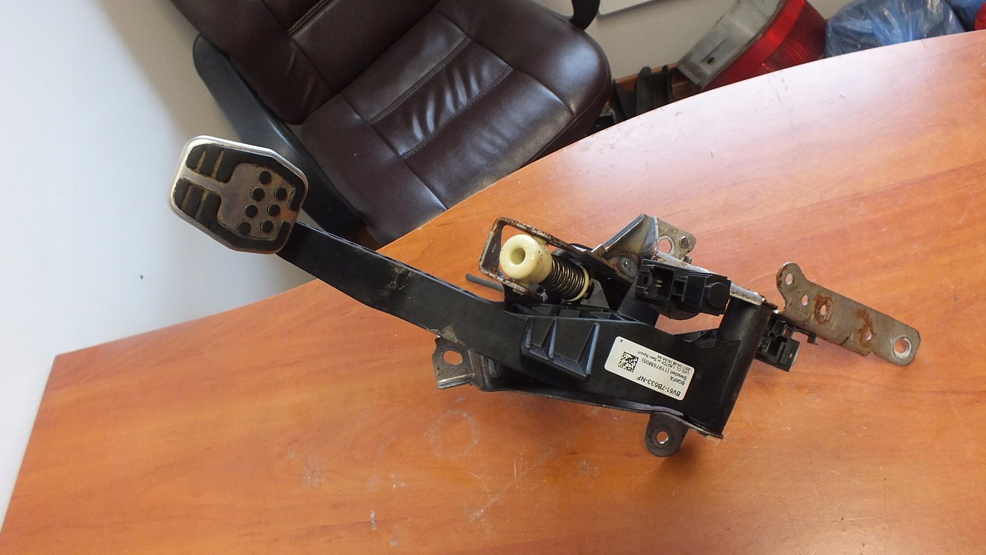 педаль сцепления ford focus st mk3 lift bv61-7b633nf