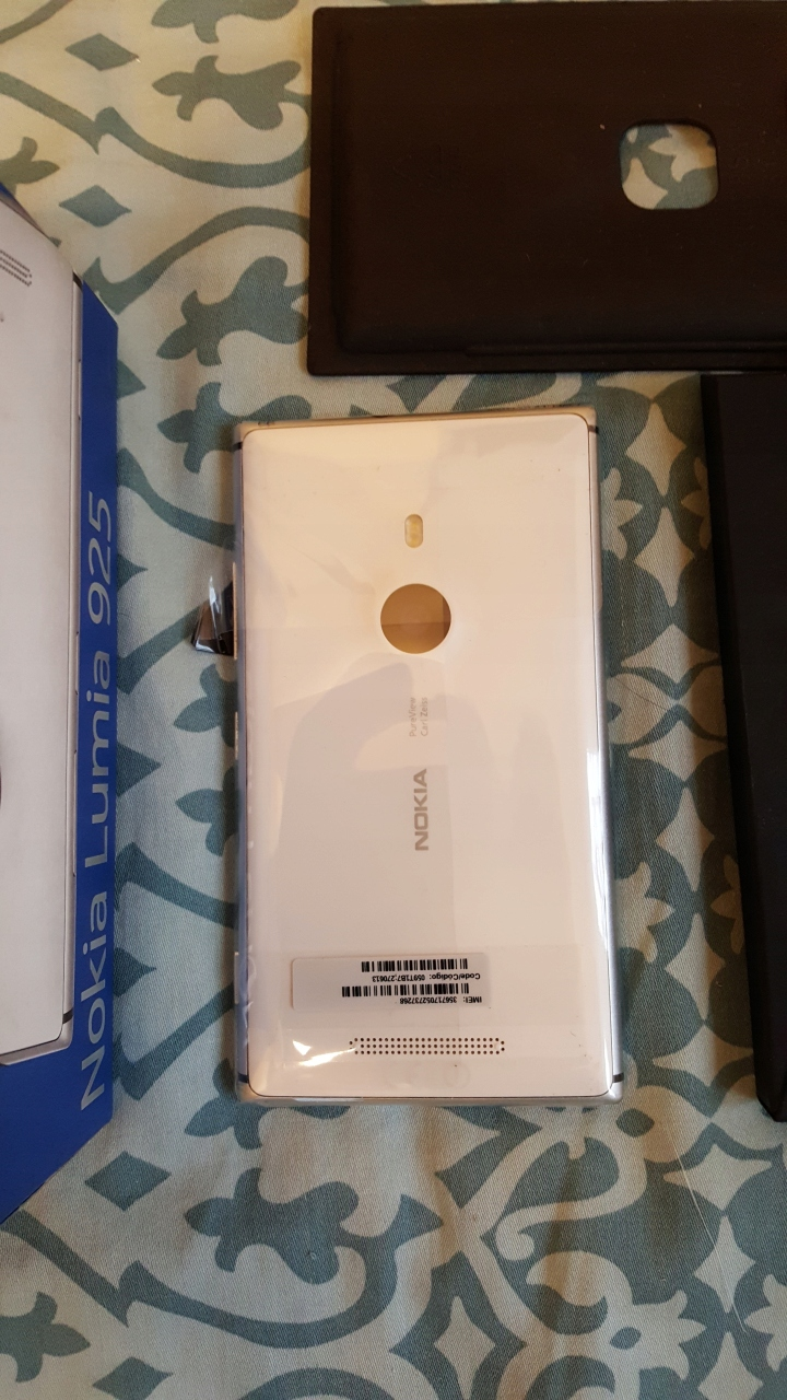 Купить Nokia Lumia 925 белый белый 925.1 на Otpravka - цены и фото - доставка из Польши и стран Европы в Украину.