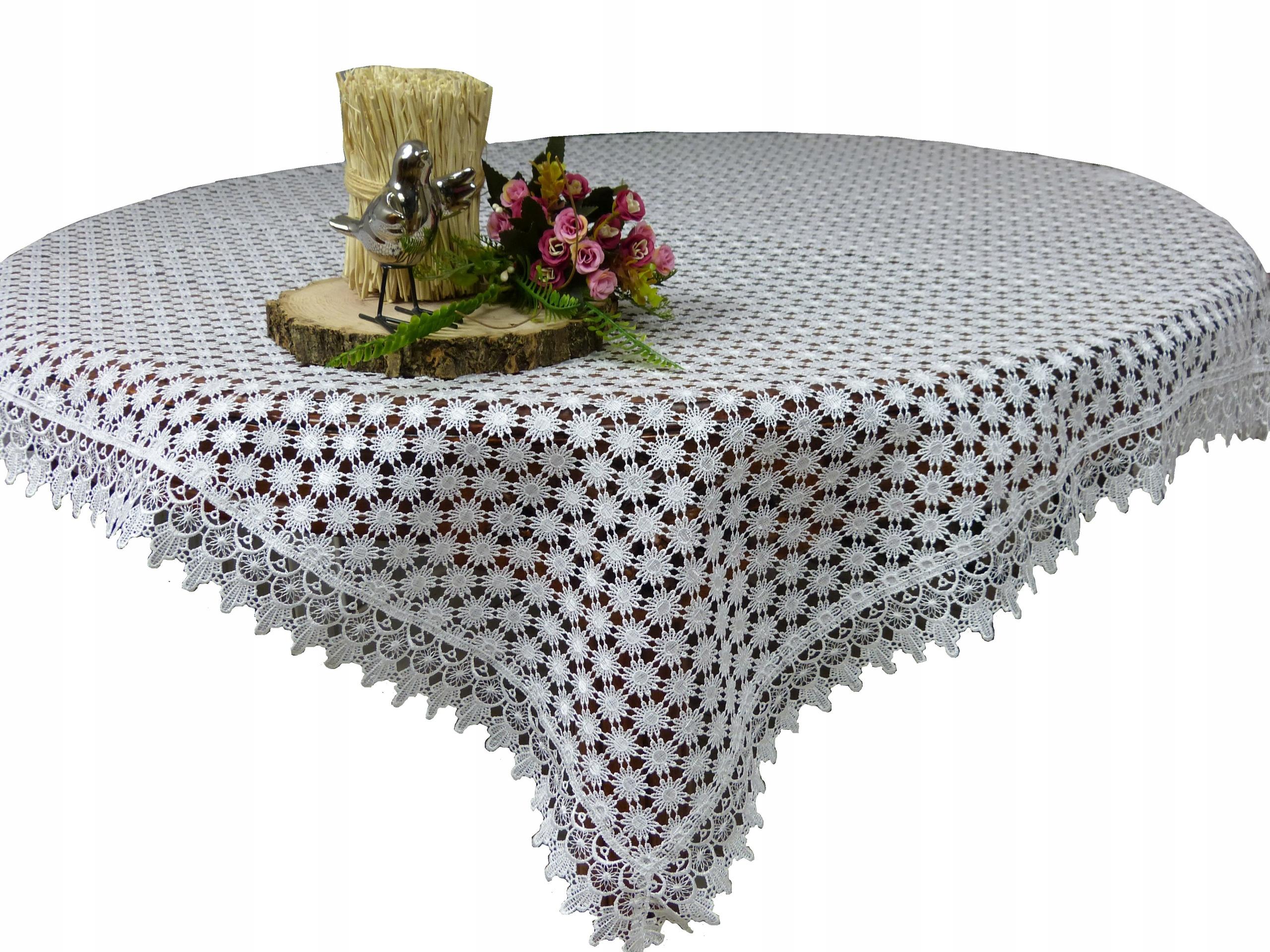Obrus z gipiury na stół 150x220 biała kwiaty