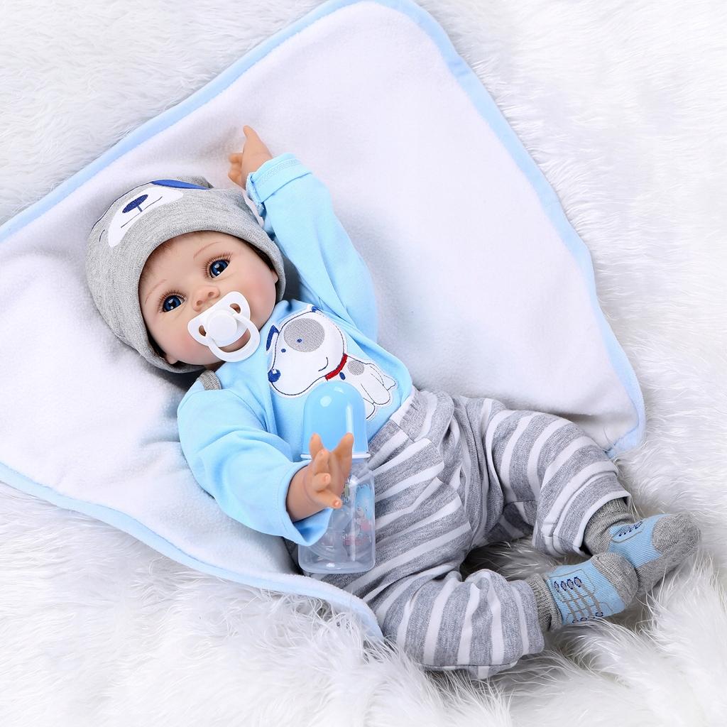 Znovuzrodená novorodená bábika