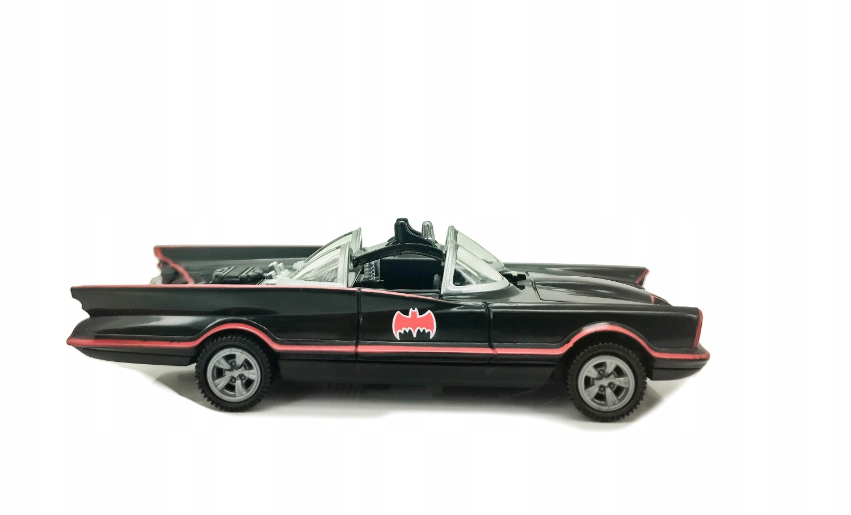 BATMOBILE MODEL 1966 ŚWIATŁO I DŹWIĘK ROAD RIPPERS Model Batmobile 2016