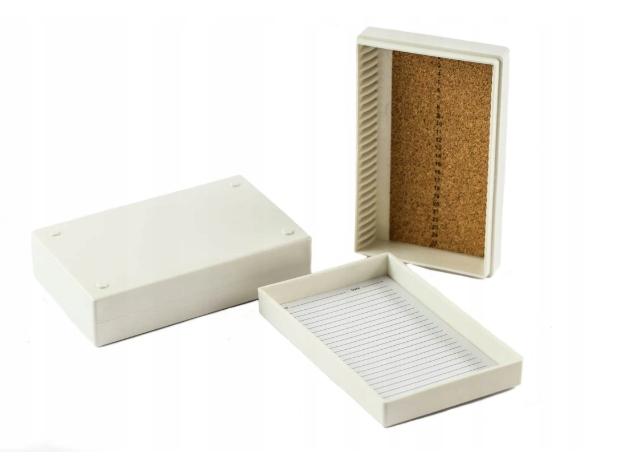 Pudełko do szkiełek mikroskopowych na 25 miejsc