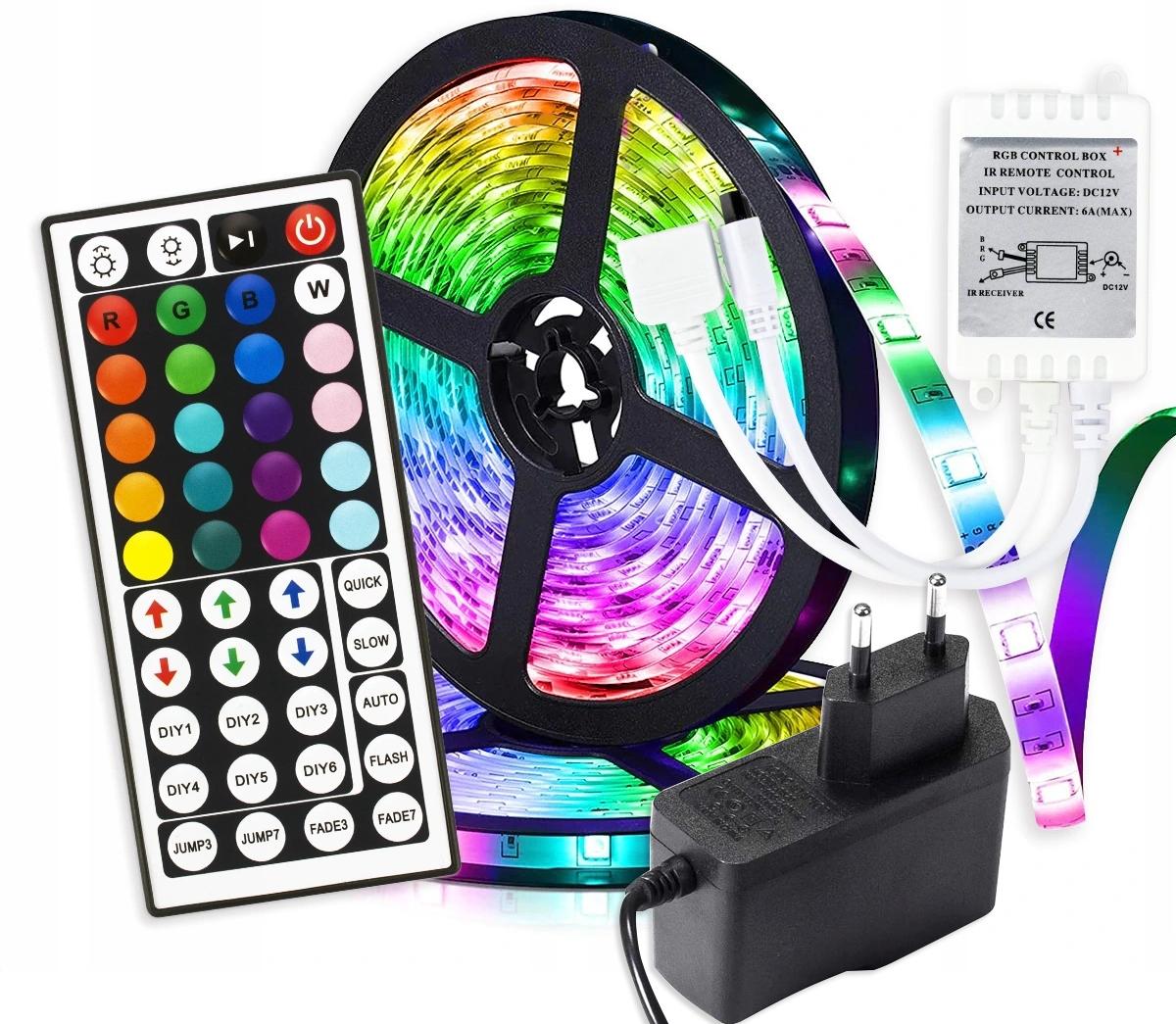 Fargerike lysdioder LED -STRIP MED FJERNKONTROLL FOR BELYSNING