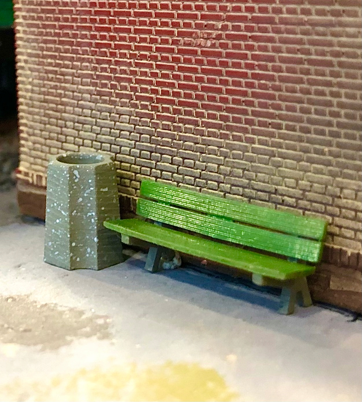 Śmietnik betonowy 2 1:87 H0 akcesoria na makietę
