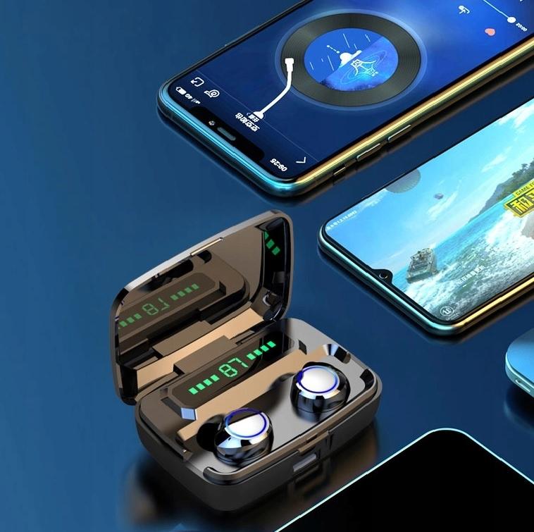 SŁUCHAWKI Bezprzewodowe BT5 WODOODPORNE PowerBank Cechy dodatkowe słuchawka bezprzewodowa, WODOODPORNE IPX5, android, TWS, BLUETOOTH 5.0, ETUI SŁUCHAWKI BLUETOOTH, szybkie ładowanie, szybkie parowanie i łączenie, zasięg 10m zestaw słuchawkowy, wysoka jakość dźwięku, słuchawki bezprzewodowe, LOW ENERGY słuchawka bluetooth, współpracują z Andriod, iOS, Windows, POWERBANK POJ.2200mah współpracuje z Iphone, Samsung, Xiaomi, Huawei, CZUŁOŚĆ MIKROFONU 42dB, LED