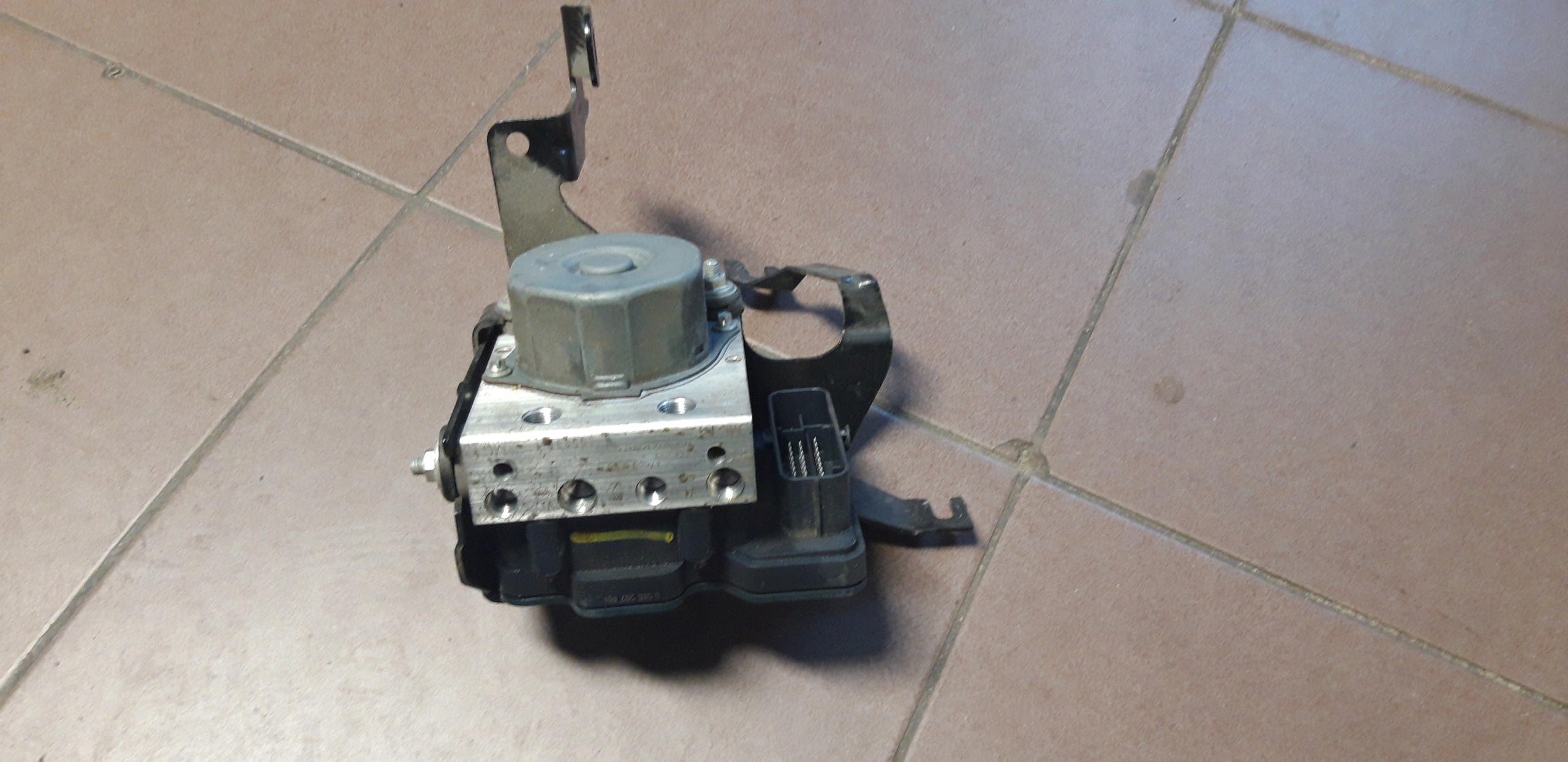 насос abs oe 476600188r renault clio iv 09tce