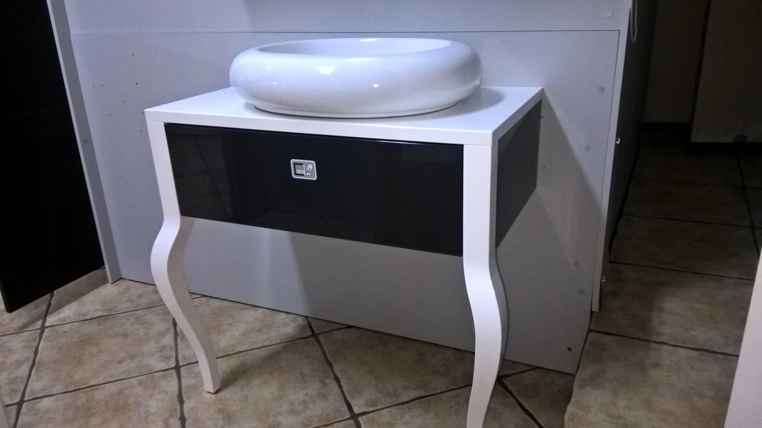 Šatník retro 80 cm pre kúpeľňa