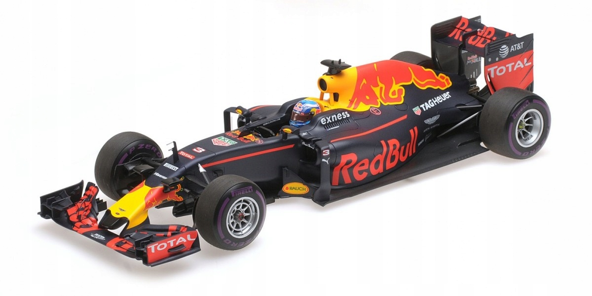 Red Bull Racing TAG-Heuer RB12 # 3 Daniel Ricciardo