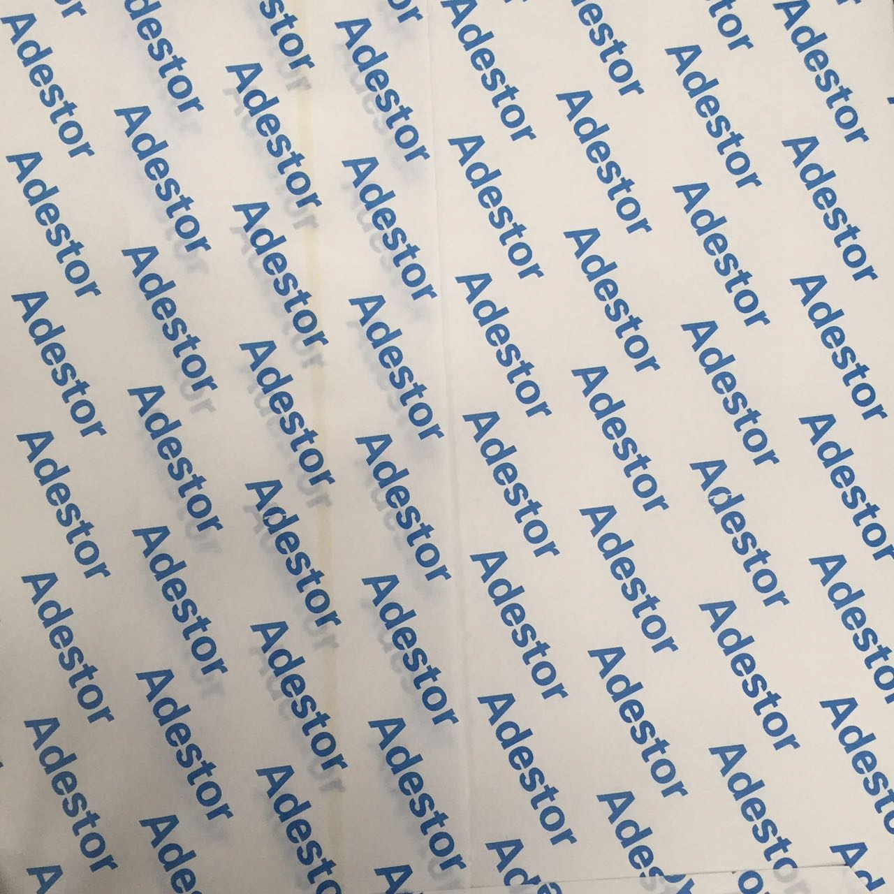 Samolepiaci papier 80g B2 50x70 cm 100 ks