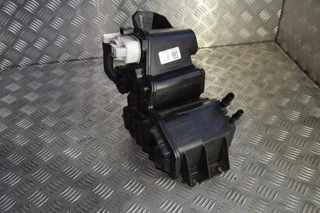 фильтр паров топлива джип cherokee kl dodge 68080835