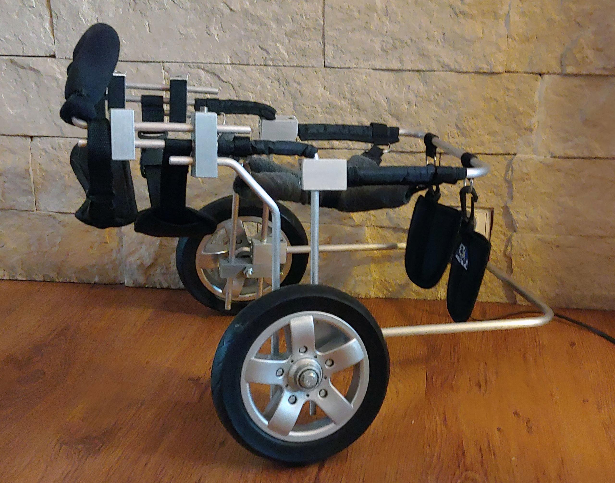 Wózek rehabilitacyjny dla psa - niedowład tył